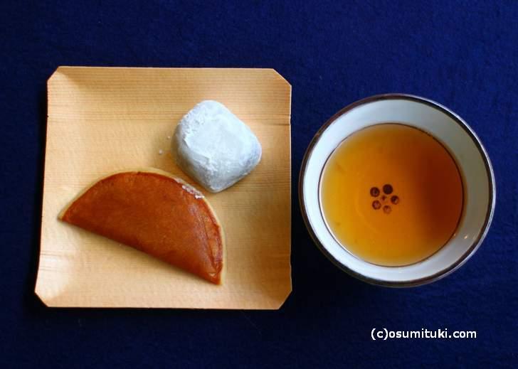 北野天満宮 紅葉苑は最後にお茶とお茶菓子がいただけます
