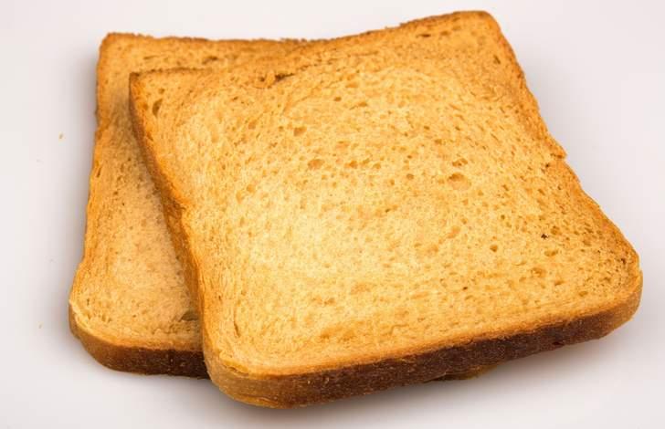 食パンは薄切りにしてトーストにするとおいしい