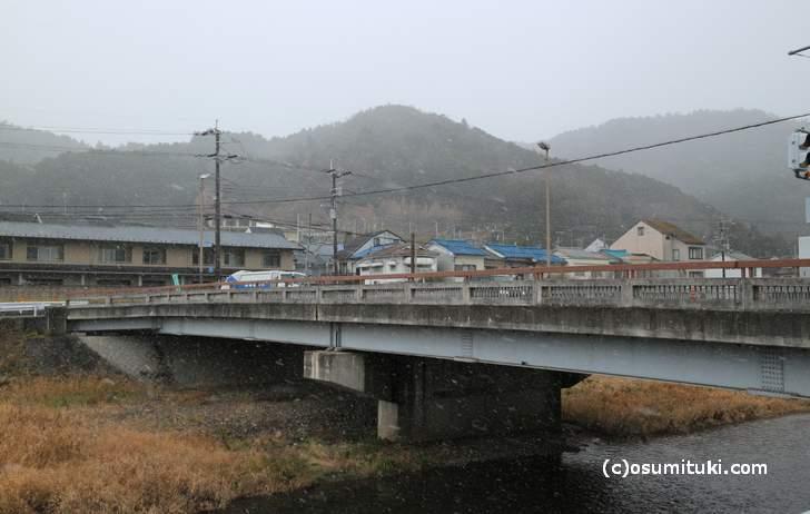 志久呂橋、ここから北は雨が降ることが多い