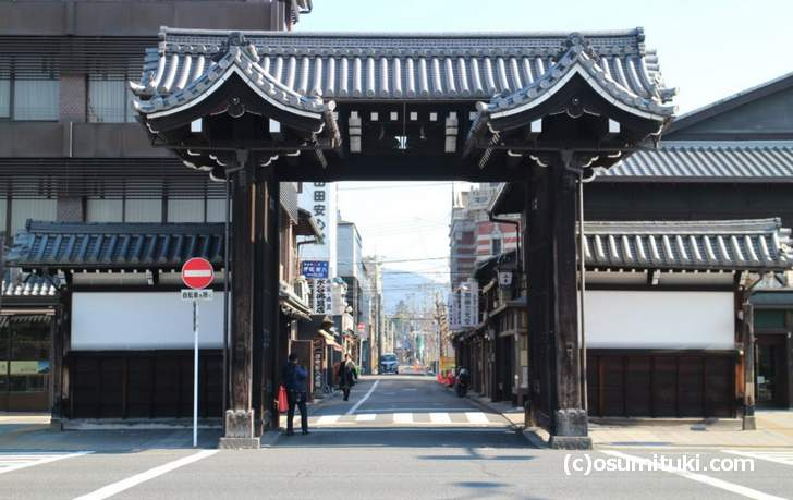 京都の「本願寺総門」の落書きは今どうなっているのでしょうか?