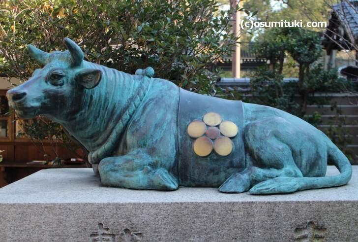 菅原道真の神社には必ずある「丑(牛)」