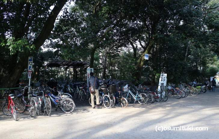 駐輪場は臨時の置き場が増設されます