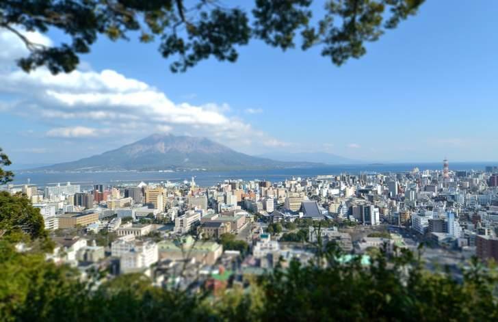 城山から見た鹿児島市内(桜島)