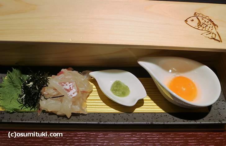 真鯛のお刺身を出汁醤油につけてご飯で食べるのが「宇和島鯛めし」です