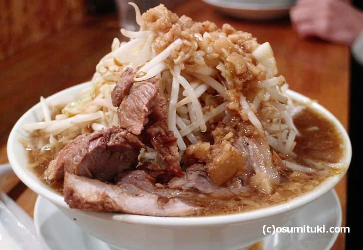 Yume Wo Katare Kyoto(800円、麺300g、ニンニクぬき、野菜増し、味辛め)