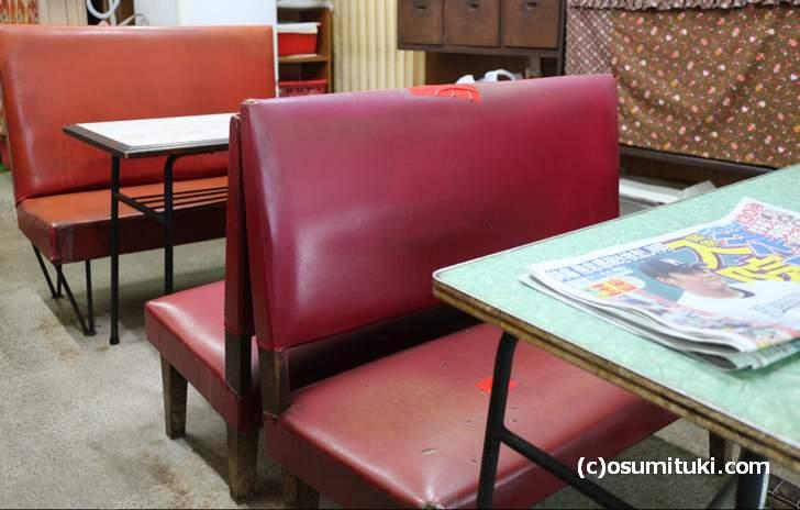 昭和の雰囲気そのままの大衆食堂で食べる中華そばも良いものです