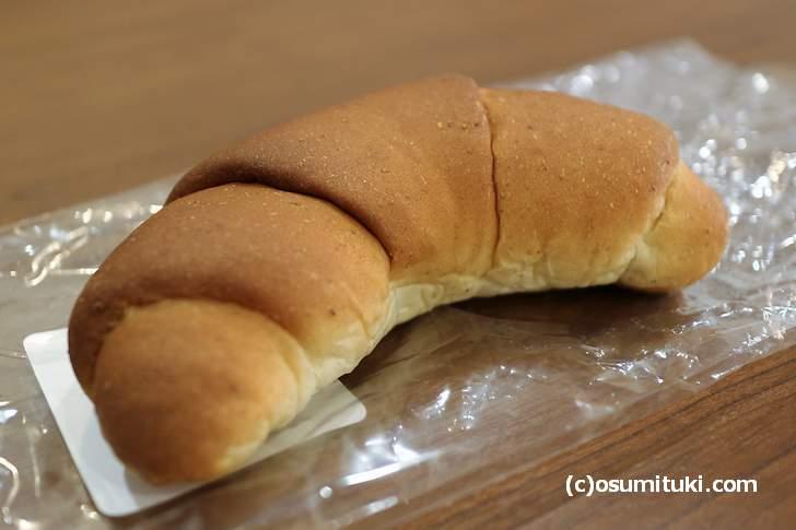 ベッカライ・ヨナタンで一番人気と言えるパン「ヌスギッフェル」