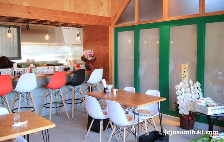 上賀茂の農家さんの中に、なぜかカフェが開店しているのん!