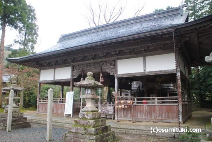 浦嶋神社の創建は825年7月22日で浦嶋子を祀るために淳和天皇の命で「小野篁」によって作られました