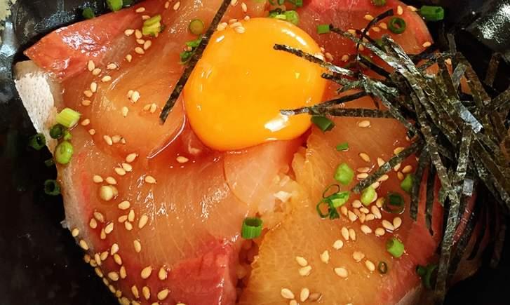 究極のヒラマサ丼で使われている醤油は「かずさスモーク 燻製醤油」