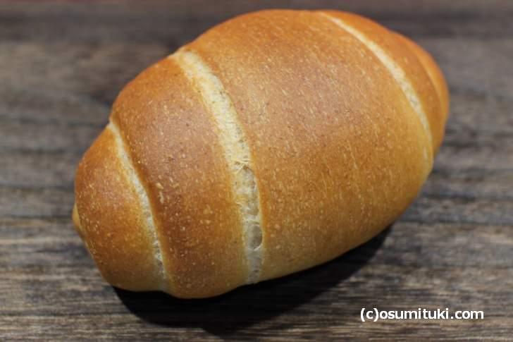 バターロール(90円)シッカリとした歯ごたえのハード系っぽいロールパン