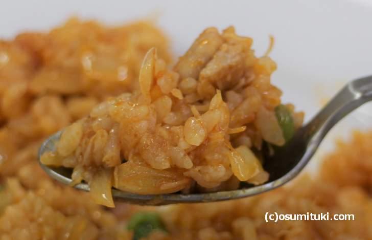 ケチャップの味は強くなく、具材の味わいを尊重するのは京都らしい味付け