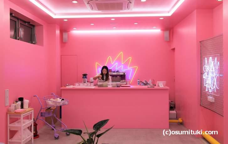 「MASHOLA」さんがあるのは河原町の新京極商店街「MOVIX京都」前です