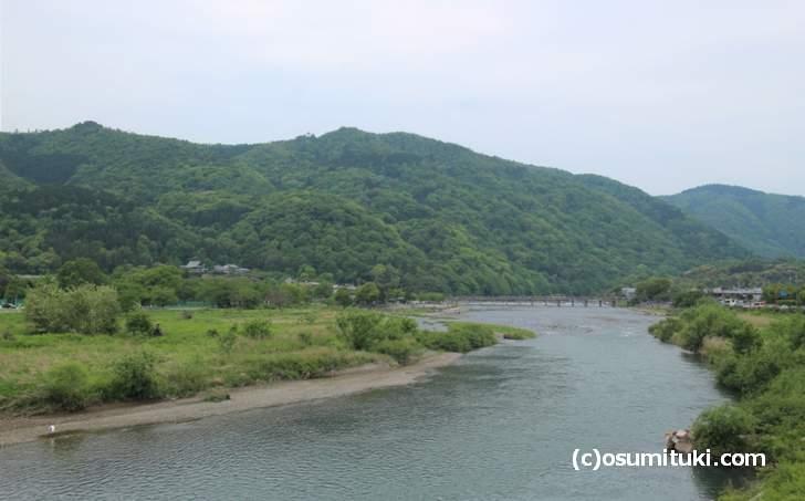 京都の嵐山の南側と奥が松尾山です