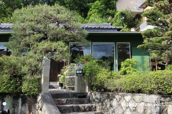 花と果樹の東山ガーデン 個人宅のような外観です