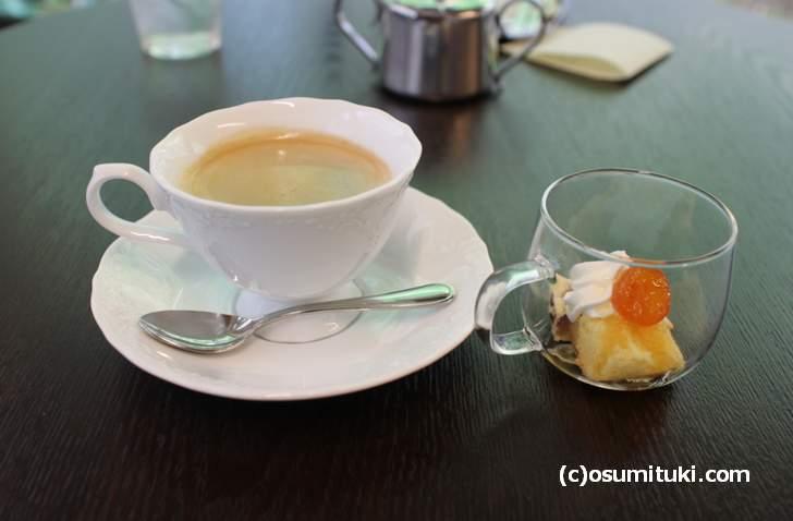 食後のデザートとコーヒーでノンビリできました