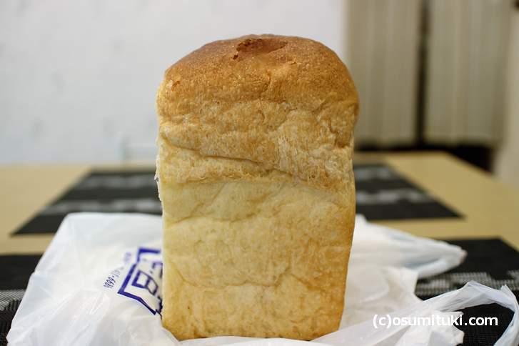 兵庫県神戸市の老舗パン屋「フロイン堂」さんの食パン
