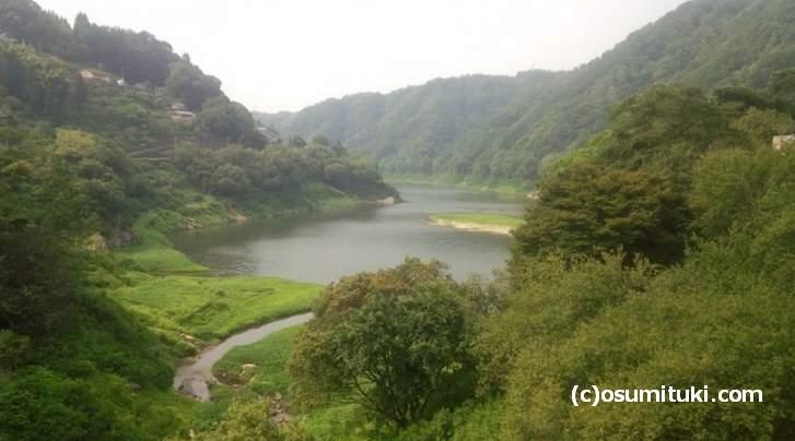 南山城村を流れる「名張川」山間部を走る川沿いの道が見る風景がキレイです
