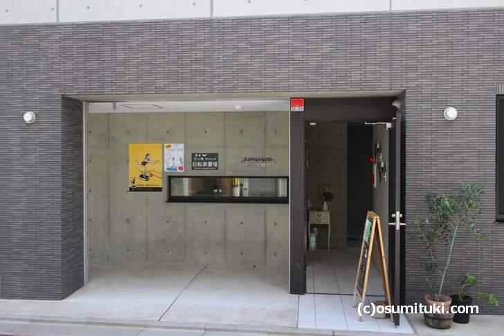 cafe amuwa、まさかここにカフェがあるとは思わない立地にあります