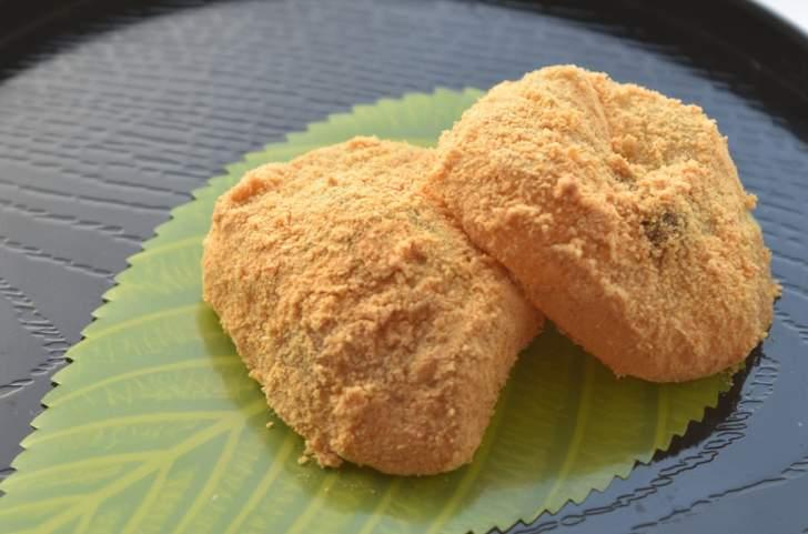 本物のわらび粉で作った「わらび餅」は専門店でのみ入手できます