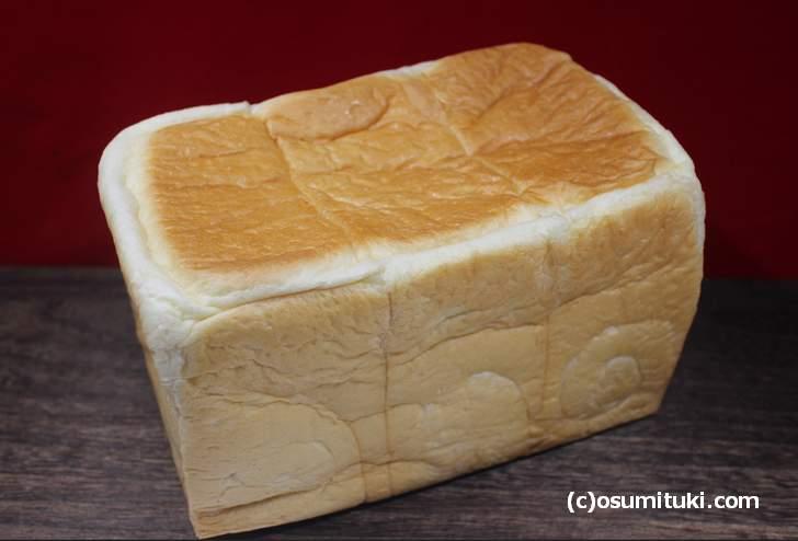Pan de Simple(パンデシンプル)の食パン「シンプル 690円」