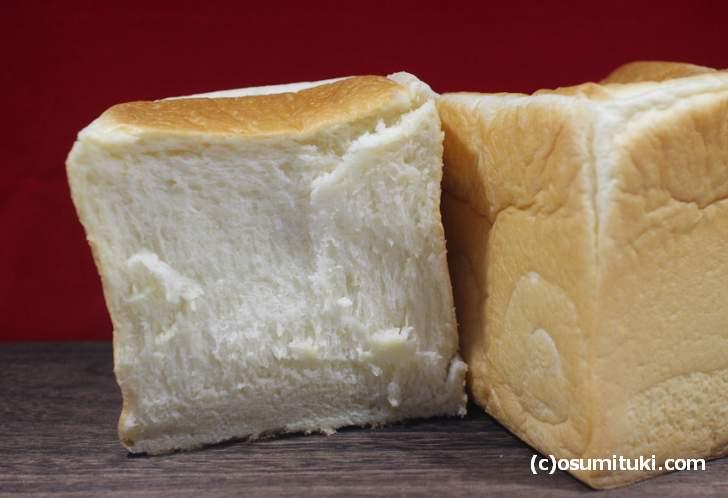 蜂蜜にこだわったシットリ食感の高級食パン