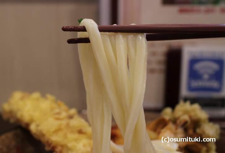 適度なツルツル感がちょうど良い麺(うどん馳走 山石土平)