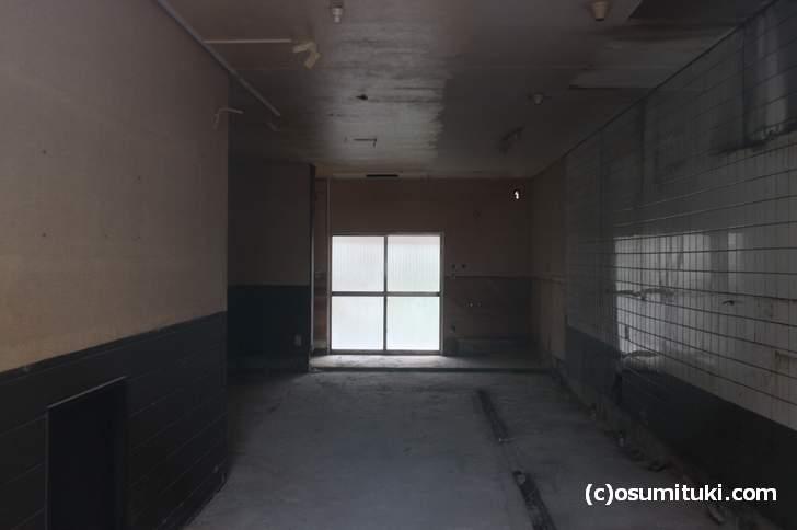 西大路御池「えびすラーメン」閉店直後の様子(速攻で内装がなくなりました)