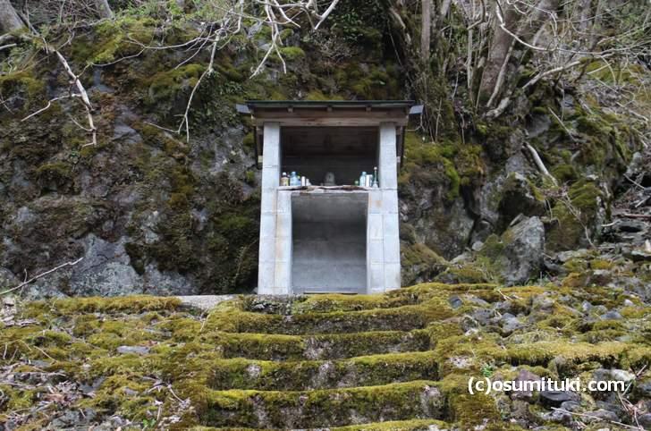 京都で一番という不思議スポット「佛返りの地蔵尊」への行き方