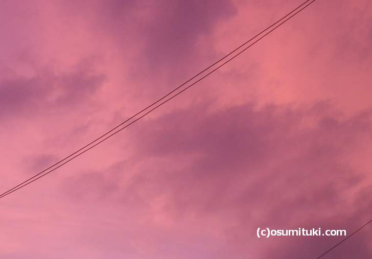 2018年7月25日の17時頃に見られた京都の空の色