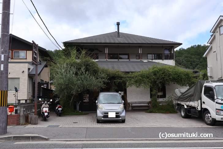 レ・フレール・ムトウ パッと見は普通の家にも見えます