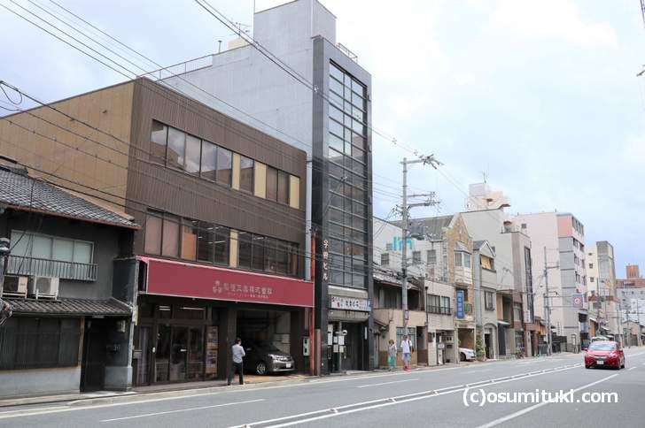 京都の大宮通にある「牛・キムラ」さんの入ったビル