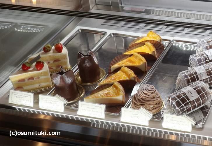 ラ・クラシック(La KLASSIQE)さんのケーキ、値段は400~500円くらい