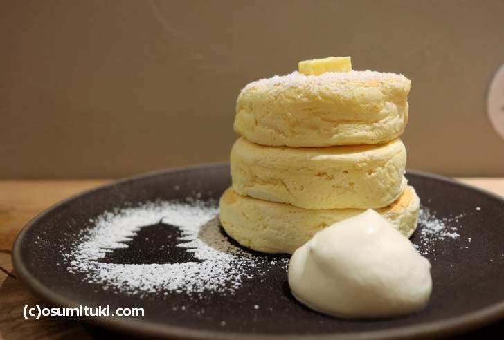 東京と大阪で人気の「リコッタチーズパンケーキ」が京都に上陸