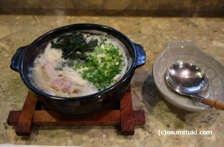 京のもち豚角煮の鍋焼きラーメン