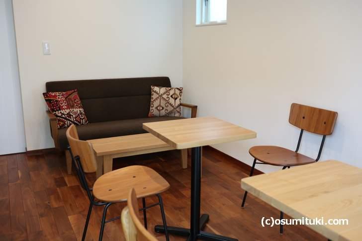テーブル席やソファ席がありました