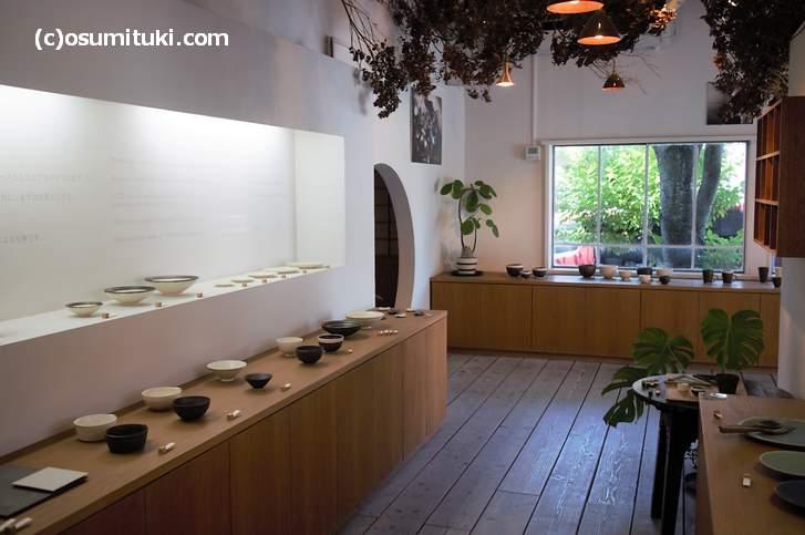 京都市山科区にある「トキノハ」さんは清水焼団地に店(工房)を構えています