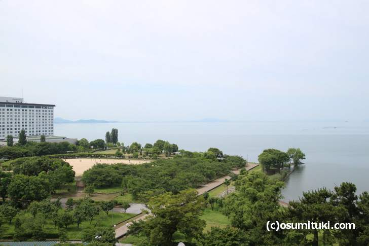 滋賀県長浜市から見た広大な湖「びわ湖」