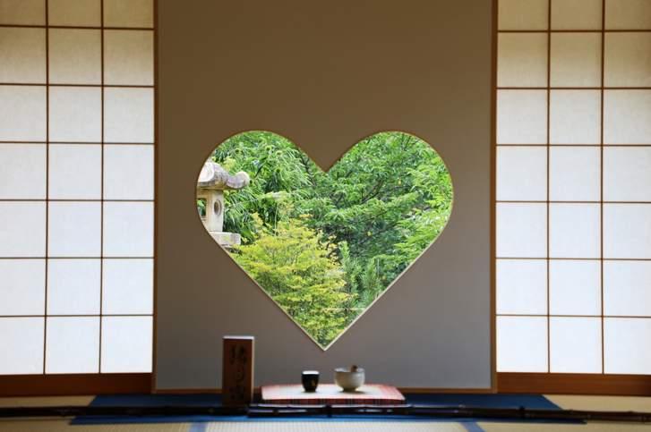 正寿院(しょうじゅいん、宇治田原町)の有名な「猪目窓」