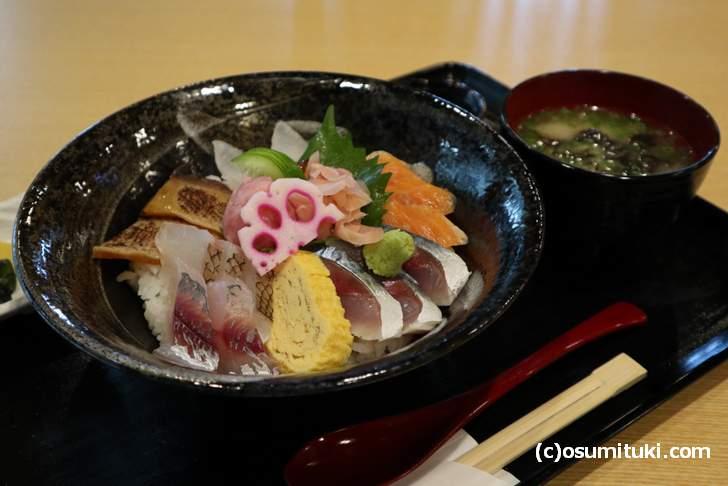 小浜港「七左」さんの「海鮮丼」