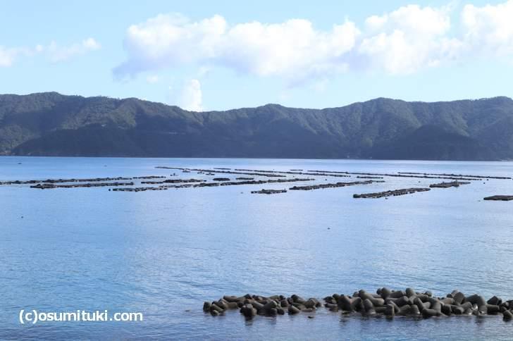 絶景の若狭湾を見ながら入浴できる温泉とは(写真は若狭湾)