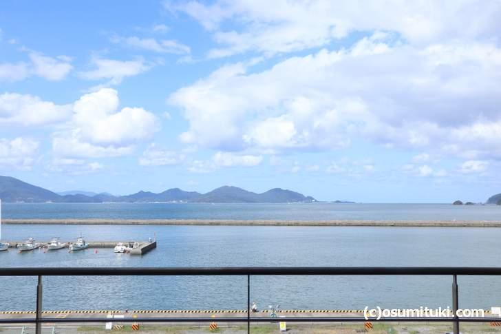 「濱の湯」3階から一望できる若狭湾(小浜港)
