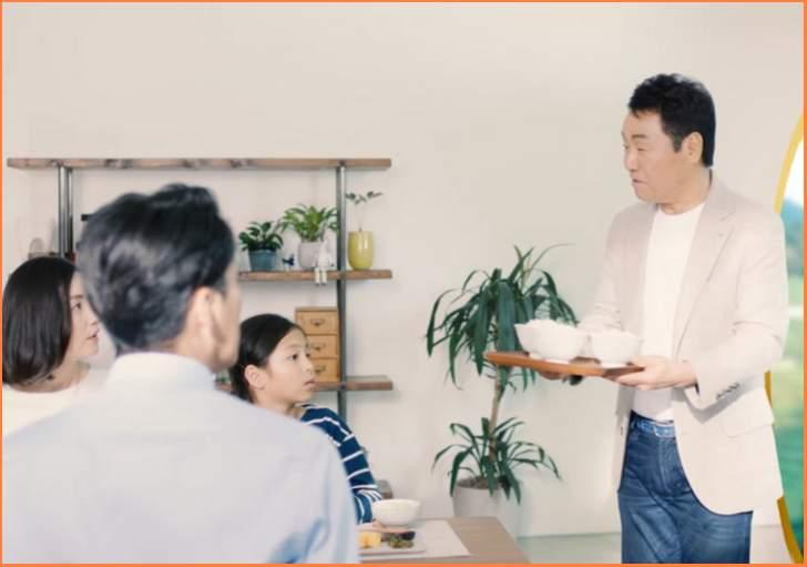 五木ひろしです。皆さんに食べていただきたいお米があるんです。