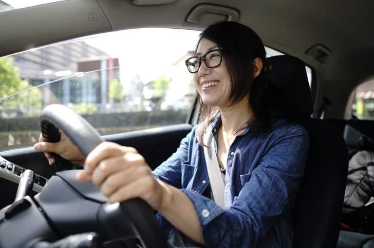 運転する場合は「単焦点か遠近両用」メガネを使用