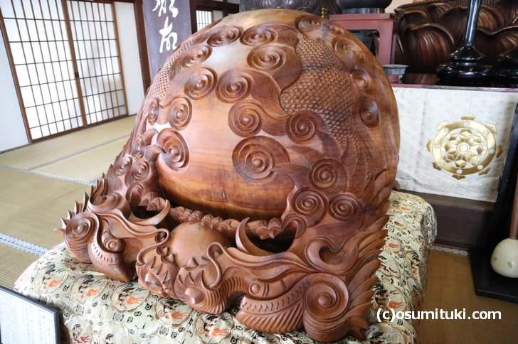 日本で二番目に大きい超巨大木魚(轉法輪寺)