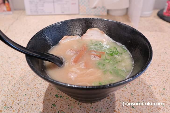 スープは普通に美味しいのですが麺が合っていません(マルキョウラーメン)