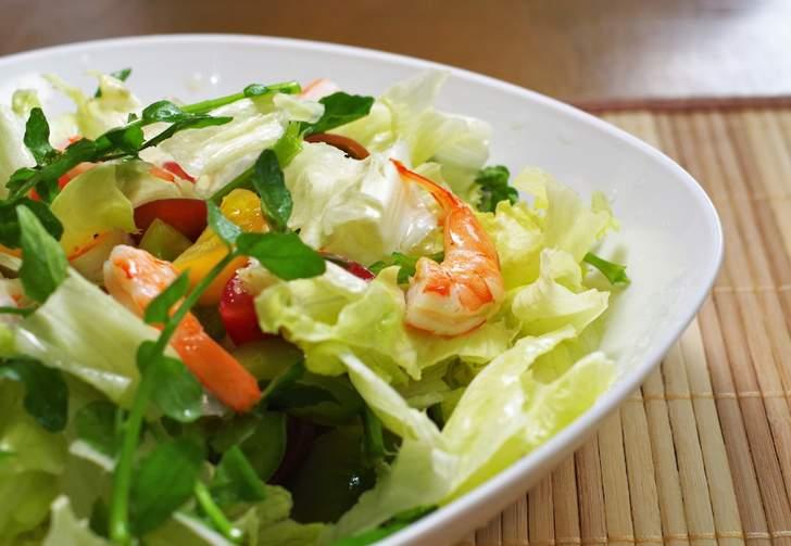 栄養が最強と言われるクレソンで作るサラダ