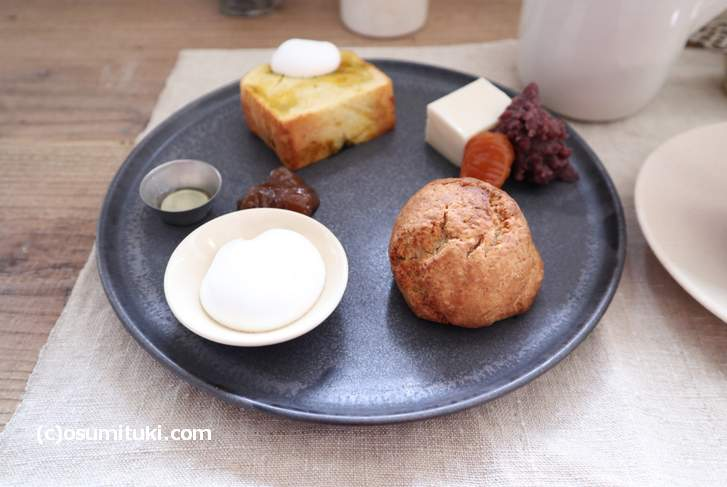 「洞爺の北風農園かぼちゃのバターケーキ、スコーン、豆乳くずもち」のデザートSセット