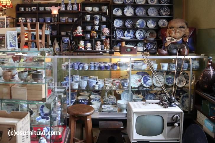 明治・大正時代の器や昭和のレトロな家電製品(やすだ屋)