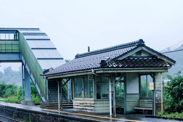 京都丹後鉄道にはたくさんの無人駅があります(写真は栗田駅-くんだえき)